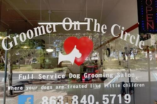 Groomer on the Circle